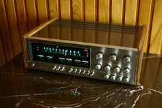 Kenwood KR-9940  | Kenwood KR-9940 - (part 1) - gigant, biały kruk Audio Amplifier, Hifi Audio, Stereo Speakers, Audiophile, High End Audio, Home Cinemas, Audio Equipment, Audio System, Music Rooms