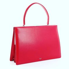 ne of the finest bags 👜 Trendy Tops, Top Tags, Fashion Bags, Clutch Bag, Clutches, Swag, Handbags, Purses, Fashion Design
