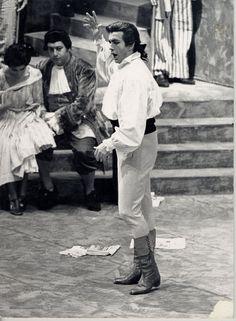 Franco Corelli as Andrea Chénier in 1968.