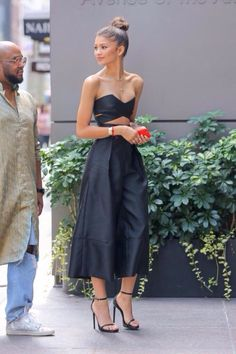 10 Looks Lindos Da Zendaya! Zendaya Dress, Zendaya Outfits, Zendaya Style, Zendaya Fashion, Zendaya Makeup, Zendaya Hair, Style Outfits, Fall Outfits, Cute Outfits