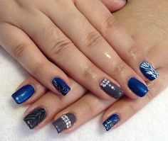 Blue and gray nails