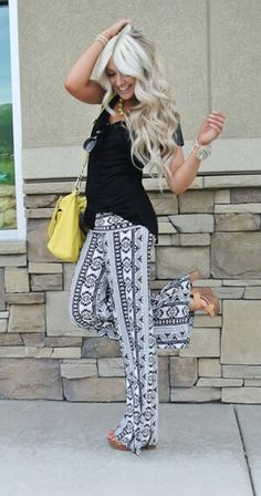 Black and White Print Yoga Pants. Teen Fashion.  By-Iheartfashion14 ♥  →follow←