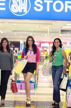 We love SM San Fernando Downtown! Prestige card campaign with Nicolette Henson, Dalsa Hizon, Poch Jorolan and Jemi Nicdao