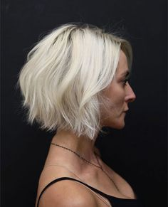50 Hairstyles for Thin Hair Over 50 with short bob haircut Thin Hair Haircuts, Bob Hairstyles For Fine Hair, Hairstyles Over 50, Short Bob Haircuts, Older Women Hairstyles, My Hairstyle, Short Bob Hairstyles, Short Hair Cuts, Cool Hairstyles