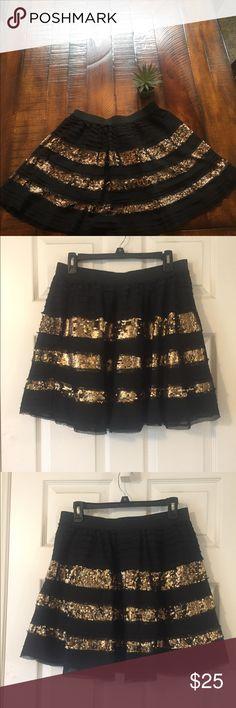 💓Free People Sequin Lace Skirt Size Large💓 💓Free People Sequin Lace Skirt Size Large💓 No Damage. Length 18.5. Elastic Waistband Free People Skirts Mini