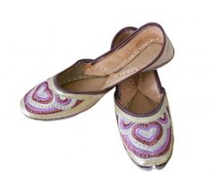 #Wonderful #Indian #Handmade #Leather #Women #Mojari #Jooti http://kalracreations.com/handicraft/rajasthani-mojaris/women/indian-handmade-leather-women-mojari-jooti-1461.html