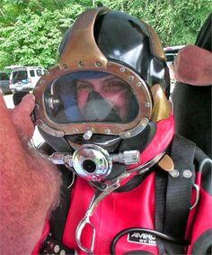 putting on gear Women's Diving, Diving Helmet, Scuba Certification, Scuba Girl, Tom Daley, Heavy Rubber, Hard Hats, Snorkeling, Underwater
