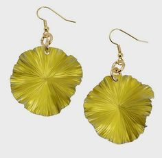 New! Fabulous #Yellow Anodized Aluminum Leaf Earrings https://www.aluminum-jewelry.com/product/yellow-anodized-aluminum-leaf-earrings Offered by #AluminumJewelry #Silver