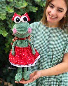 Best All Amigurumi Frog Crochet Patterns – Free Amigurumi Crochet Crochet Beanie Pattern, Crochet Patterns Amigurumi, Crochet Dolls, Amigurumi Tutorial, Crochet Frog, Free Crochet, Crochet Crafts, Crochet Projects, Crochet Bookmarks