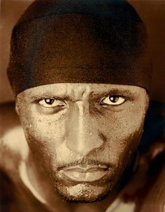 I dont think I've ever mentioned this before, but On-The-Field Ray Lewis scares me. More than a little. And I love him for it.