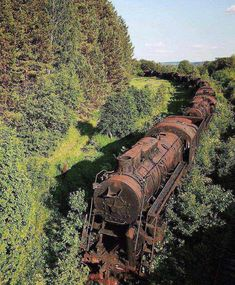 Tagged with trains, abandoned; Abandoned train somewhere in Siberia Abandoned Buildings, Abandoned Train, Abandoned Mansions, Abandoned Houses, Abandoned Places, Abandoned Factory, Abandoned Library, Abandoned Detroit, Haunted Places