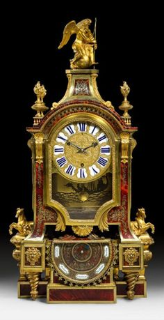 """PENDULE """"AUX CHEVAUX"""" MIT BAROMETERPENDULE """"AUX CHEVAUX"""" MIT BAROMETER, Louis XIV, Paris, um 1700/10."""