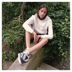 #MahaAmsterdam #SportSocks #TeamCozy #StreetCasuals #CasualGirls #GirlGang #Vans #VansOldSkool #ThisisWelcome