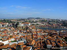 Vue sur  les toits de #Porto depuis la Tour du Clergé #Portugal