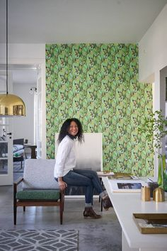The design industry icon & founder of Designers Guild known for colourful fabric and wallpaper imparts her expertise. Living Room Accents, Living Room Sets, Living Room Designs, Tricia Guild, Leather Sectional Sofas, Furniture Upholstery, Upholstery Fabrics, Cute Dorm Rooms, Designers Guild