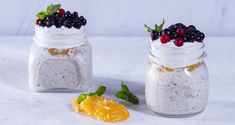 Homemade muesli with oats, oranges and berries by Greek chef Akis Petretzikis. A great recipe for a healthy, energizing breakfast with your homemade muestli! Breakfast Time, Breakfast For Kids, Raw Food Recipes, Dessert Recipes, Nutrition Chart, Processed Sugar, Homemade Muesli, Healthy Cooking, Berries
