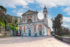 Il quartiere di Sant'Ilario a Genova - Foto Vagabonde Mansions, House Styles, Home Decor, Decoration Home, Manor Houses, Room Decor, Villas, Mansion, Home Interior Design