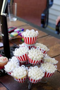 carnival theme birthday party popcorn cupcakes!!!