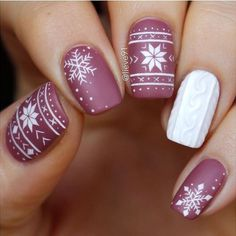 Accented FingerKnited Accented Finger Blood Drip Nail Tutorial for Halloween Winter nails - 42 Beautiful Sweater Nail Designs Perfect For Christmas 163 christmas nails designs to try page 1 Cute Christmas Nails, Xmas Nails, Holiday Nails, Winter Christmas, Snow Nails, Christmas Hair, Holiday Acrylic Nails, Xmas Nail Art, Valentine Nails