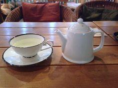 CoffeeHaru's Lemon Tea   여기의 레몬티는 달지 않고 은은하게 좋아서 목이 아플 때나 감기기운이 있을 때면 생각나는 차...