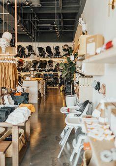 Children Boutique Display, Baby Store Display, Exposed Ceilings, Make Design, Design Ideas, Retail Store Design, Concrete Floors, Baby Shop, Building Design