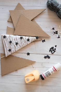 Diy Christmas Videos, Christmas Crafts For Kids, Homemade Christmas, Christmas Art, Christmas Projects, Holiday Crafts, Clay Christmas Decorations, Diy Christmas Ornaments, Rustic Christmas