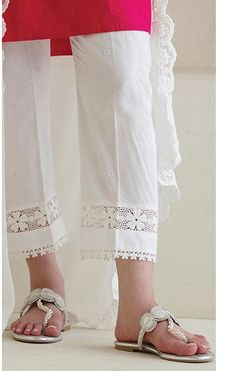 Summer Fashion For 40 Year Old Man Latest Fashion Trends Bridal Fashion Pakistani Fashion Casual, Pakistani Dresses Casual, Pakistani Dress Design, Pakistani Bridal, Muslim Fashion, Bridal Lehenga, Wedding Lehnga, Indian Dresses, Korean Fashion