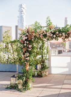 Venue: Tribeca Rooftop - http://www.stylemepretty.com/portfolio/tribeca-rooftop Floral Design: Bourgeon - http://www.stylemepretty.com/portfolio/bourgeon Photography: Heather Waraksa - heatherwaraksa.com   Read More on SMP: http://www.stylemepretty.com/2017/04/28/fall-nyc-rooftop-wedding/