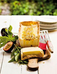 Grenadella-yskastert | SARIE South African Desserts, South African Recipes, Guava Desserts, Good Food, Yummy Food, English Food, Sweet Tarts, No Bake Treats, Kos
