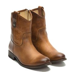 Frye Melissa Button Boots Short Cognac for woman. International shipping -> free shipping in Europe. http://www.boeties.nl/frye-melissa-button-short-boots-cognac-778972