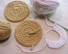 Oreo-style Golden Vanilla COOKIES — crocheted components by EraPhernalia Vintage . . . (playin' hook-y ;o), via Flickr Crochet Cake, Crochet Fruit, Crochet Food, Love Crochet, Crochet For Kids, Crochet Crafts, Crochet Projects, Octopus Crochet Pattern, Crochet Motif