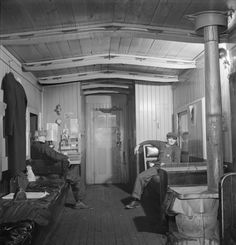 For comparison: The interior of an Indiana Harbor Belt Railroad caboose in 1943. Photo: Jack Delano, Library Of Congress