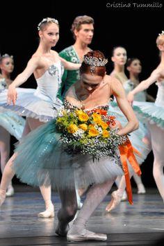Ulyana Lopatkina | by ctummillophotos. ✯ Ballet beautie, sur les pointes ! ✯