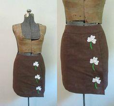 Brown Appliqued Mini Skirt Vintage 1970s by rileybellavintage#ALEXAMIGOS