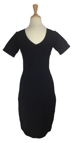 8be59382566 This Reiss black dress is sexy and slimming. A classic little black dress  with a