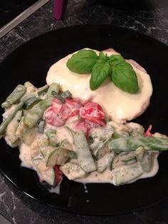 Steak mit Mozzarella und buntes Gemüse mit Alpro-Soja