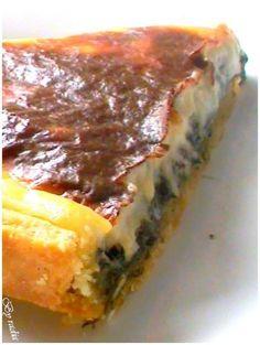 C'est cette délicieuse tarte que nous avons dégusté aujourd'hui, très savoureuse avec ce gout de fromage très prononcé, j'ai déja fait une tarte à la viande aussi très très bonne et je partage aujourd'hui avec vous cette tarte encore plus bonne. Ingredients...