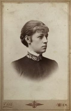 Il Duca Ludwig Wilhelm e la figlia Marie Louisa Larisch Franz Josef I, Images Of Princess, Royal King, Royal Blood, Her World, Family Album, Queen Victoria, Female Images, Bavaria