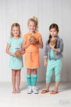 Quapi | Dress Fynn Mint | Dress Fajah Coral | Kneesocks Fara 2 Abstract Mint | Shortsleeve Famke Abstract Mint | 3/4 Sweatpants Fam Mint | Flipflops Fermina Dot Soft Coral
