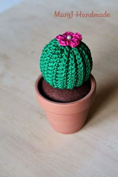 Tutorial per realizzare una pianta grassa all'uncinetto con la tecnica dell'amigurumi. | How to crochet a cactus amigurumi