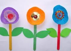 susan akins posted Flower Craft free kids pop sticks easy patty pans to their -Preschool items- postboard via the Juxtapost bookmarklet. Kids Crafts, Spring Crafts For Kids, Summer Crafts, Toddler Crafts, Preschool Crafts, Fall Crafts, Art For Kids, Arts And Crafts, Paper Crafts