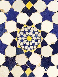 tile detail - decagonal symmetry.