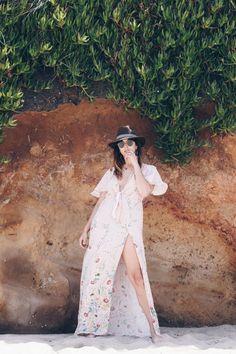 BlackC☮RAL4Y☮U❤•ღ♁♕#coral❤♕∆❤️☮#black❤️✌︎#Pinterest♔☻☺☂#hat ⧝✤#bohemian☂#surf✤↜#Spring➳☔#jewelry⧱❇☯#gypsy⚡️♁#hobo♥#L❤V⧢ ॐ ♥•#rapsodiaღ•☼#gems☪☼☀️#Summer✿ڿڰۣ(̆̃̃☼•≫∙∙☮..*・·̩.˖#stones✶.✿ ★~(◡﹏◕✿)☾❃✿#boho*´¨`✿⊱╮∆.☔⚜️•♧I❇Ƹ̵̡Ӝ̵̨̄Ʒ✤❀❤L I K⧢    Sí, si tuviese que elegir un look para pasar un día en una isla desierta sería este: vestido largo, gafas de sol y sombrero ;). Espero que os guste!