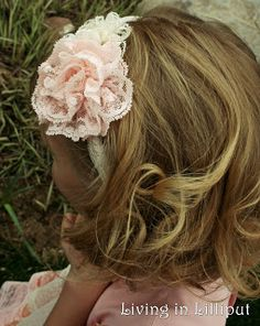 Living in Lilliput: Lace Rose Tutorial