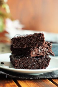 Chocolate brownies – easy and fast - Desserts Easy Desserts With Chocolate Chips, Mint Chocolate Chip Cookies, Chocolate Chip Recipes, Chocolate Brownies, Dessert Recipes For Kids, Kid Desserts, Easter Desserts, Graham Cracker Dessert, Muffins