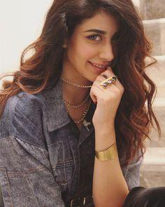 Image may contain: 1 person, closeup Beautiful Bollywood Actress, Beautiful Indian Actress, Beautiful Actresses, Bollywood Girls, Bollywood Celebrities, Bollywood Images, Indian Celebrities, Bollywood Stars, Bollywood Fashion