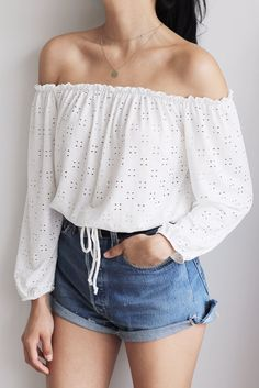 Fashion inspo shoulder tops 52 New Ideas Off Shoulder Top Outfit Summer, Off Shoulder Outfits, Off Shoulder Tops, Cute Comfy Outfits, Chic Outfits, Trendy Outfits, Fashion Outfits, Short Outfits, Outfits For Teens