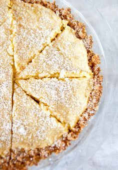 Momofuku Crack Pie Recipe - considering this as my addition to my sister's dessert bar at her wedding reception! Slow Cooker Desserts, Just Desserts, Delicious Desserts, Yummy Food, Crack Pie, Dessert Crepes, Thanksgiving Pies, Sweet Pie, Love Food