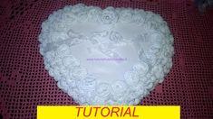 tutorial per realizzare un cuscino portafedi con roselline e pizzi all'uncinetto (1)