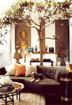 Both Kelly Wearstler and Clements Design have created interiors for this stunning house. 2 Top Designers Decorate One Amazing Home Both Kelly Wearstler and Clements Design have created interiors for this stunning house. My Living Room, Home And Living, Living Spaces, Interior Exterior, Home Interior, Beautiful Space, Beautiful Homes, Home Decoracion, Kelly Wearstler